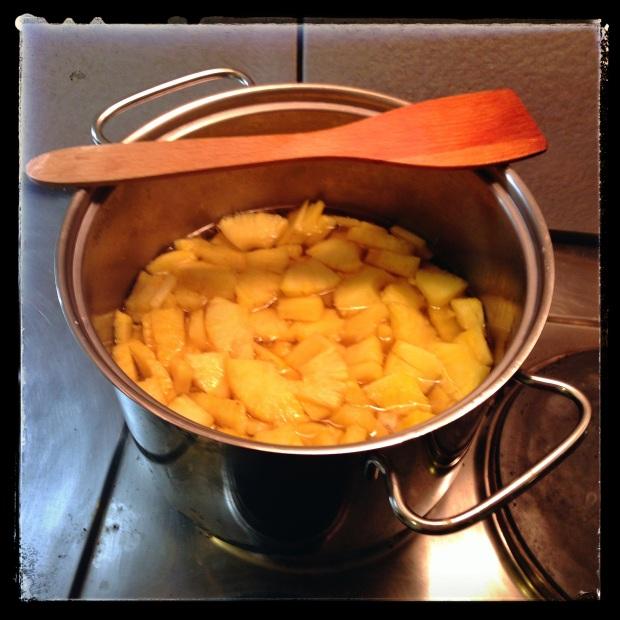 Confisage d'ananas frais