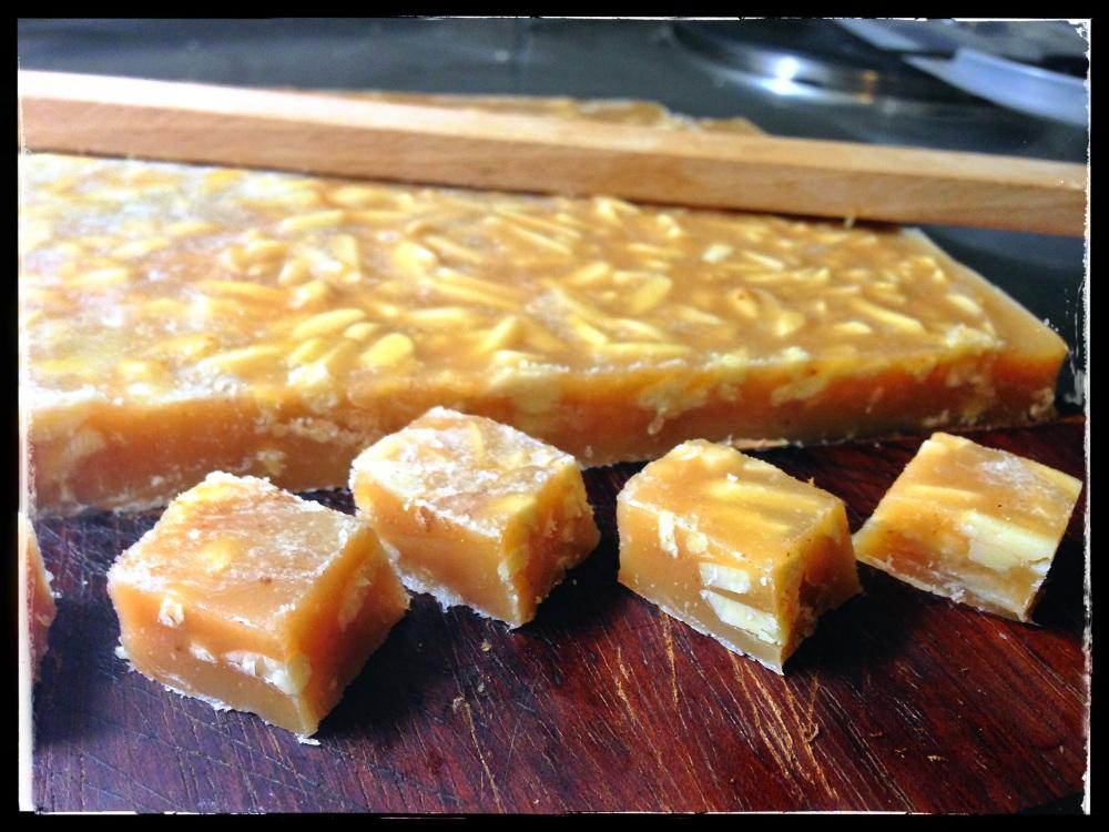 Caramels aux amandes et miel d'Acacias (1/2)